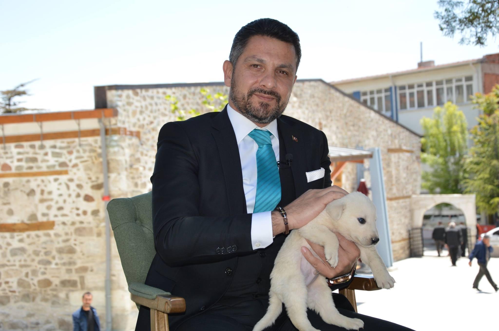 Sivrihisar Belediye Başkanımız Hamid Yüzügüllü Kanal 26'da yayınlanan 3+1 Programı sunucusu Abdullah Yeşilkaya ile Dünyanın Merkezinde keyifli bir röportaj gerçekleştirdi.