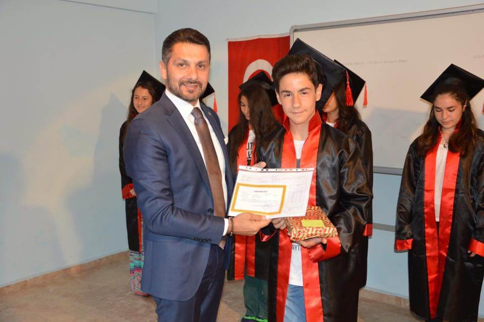 Başkanımız Hamid YÜZÜGÜLLÜ Hasan Karacalar Ortaokulu Öğrencilerinin Mezuniyet Törenine Katıldı
