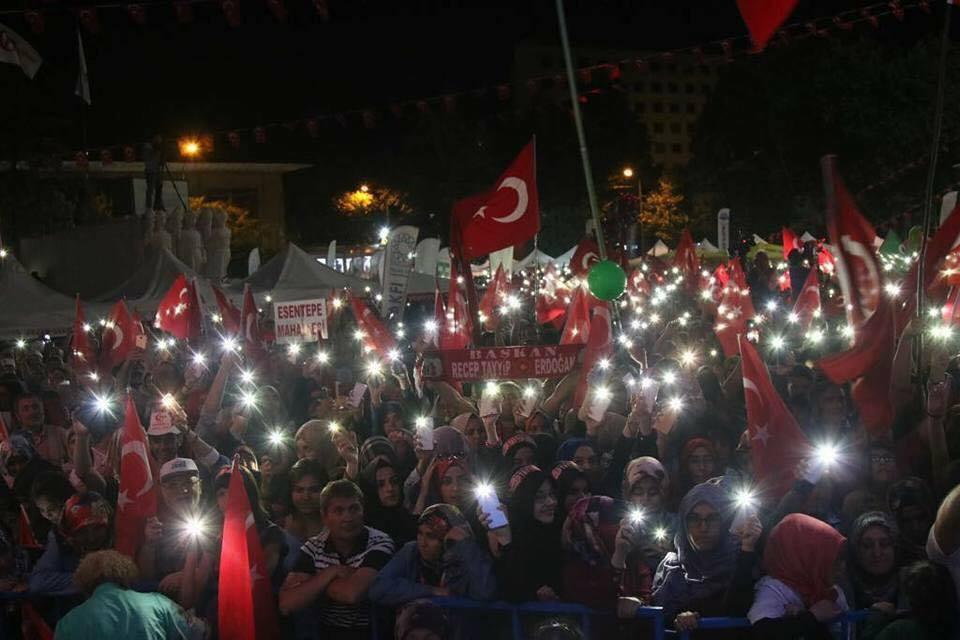15 Temmuz Demokrasi Zaferimizin Yıl Dönümünde Eskişehir Vilayet Meydanında Yerimizi Aldık. Coşkulu Bir Kalabalığın Hakim Olduğu Meydanda Şehit ve Gazilerimizi Yad Ettik.