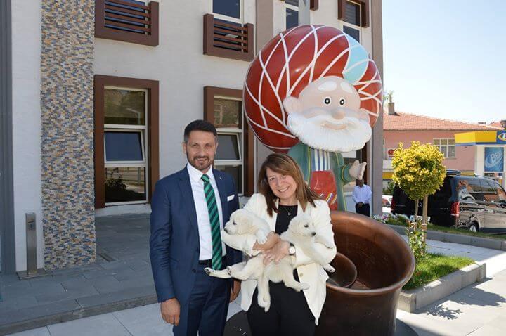 Eskişehir Milletvekilimiz Sayın Prof. Dr. Emine Nur Günay ve Sivrihisar Belediye Başkanımız Hamid Yüzügüllü Esnaf Ve Pazar Ziyaretlerinde Bulundu