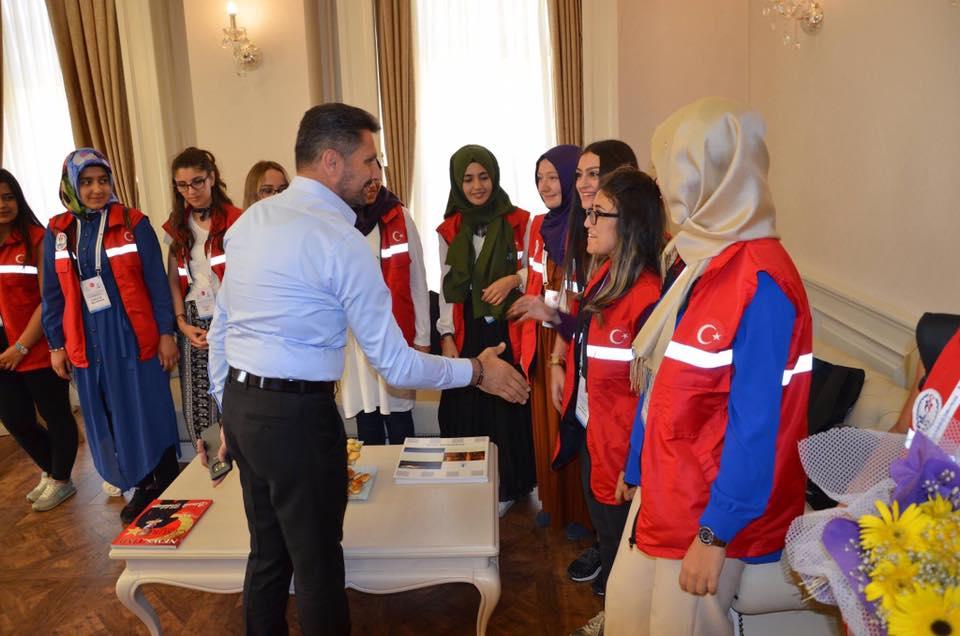 Gençlik ve Spor Bakanlığı tarafından 2 yıl önce Hayata Geçirilen 'Damla Projesi' Kapsamında Ülkemiz Üniversitelerinde Okuyan Yabancı Çğrenciler İle Türk Öğrencilerden Oluşan Gençleri Sivrihisar'da Ağırladık