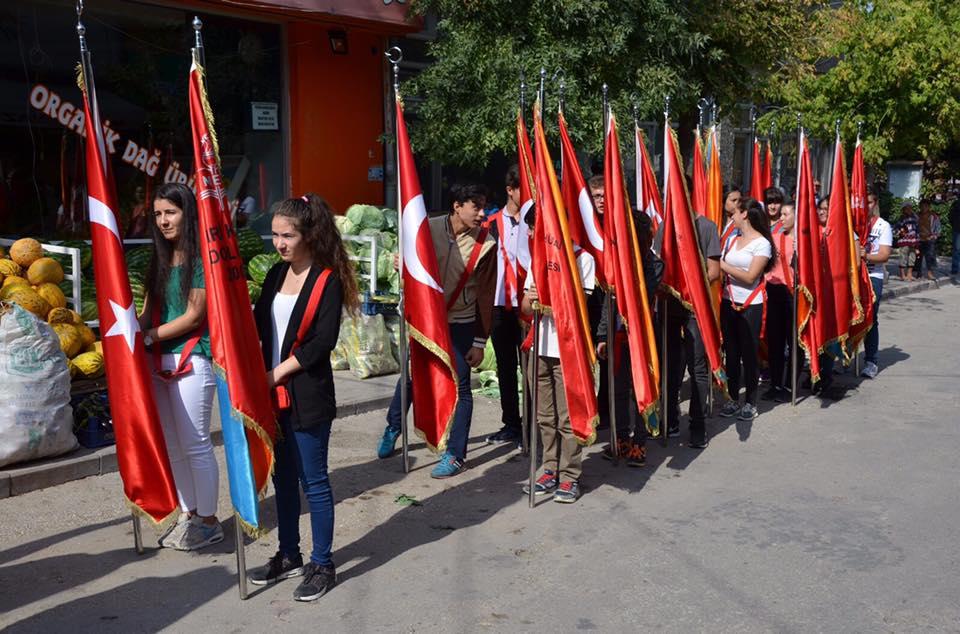 30 Ağustos Zafer Bayramı İlçemizde Yapılan Resmi Tören Ve Halk Oyunları Gösterileri İile Kutlandı.