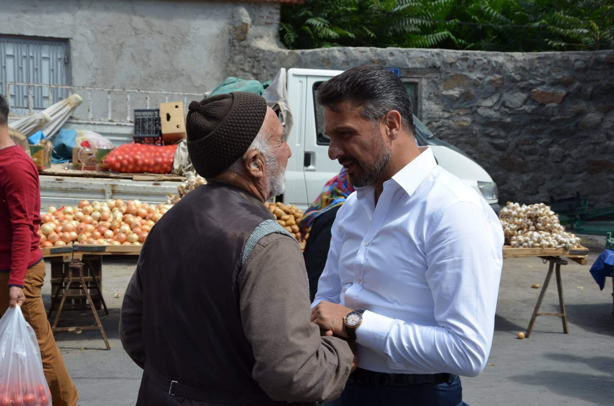 Başkan Yüzügüllü Halk Pazarında Vatandaşlarımız ile İç İçe…