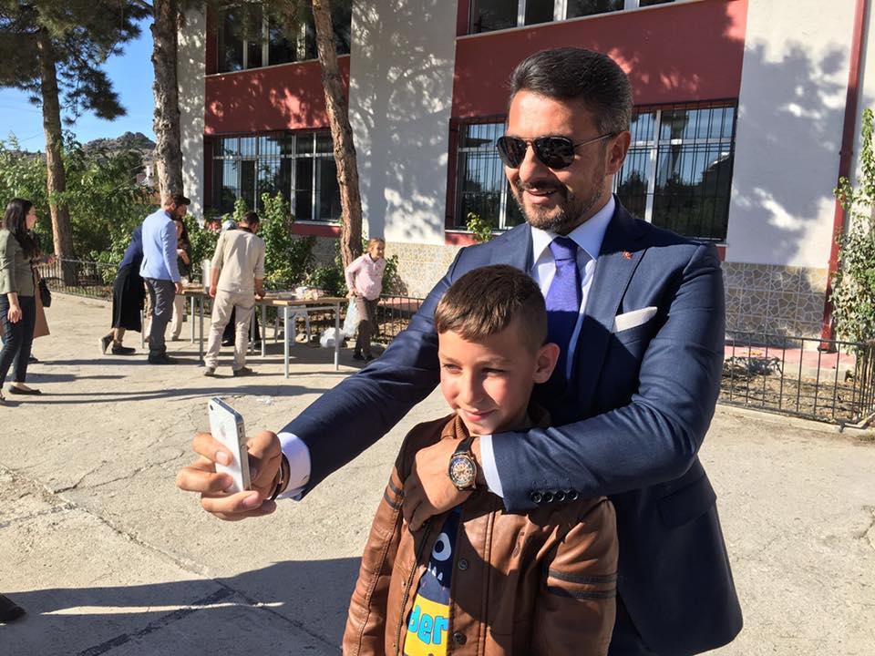 Belediye Başkanımız Hamid Yüzügüllü Muharrem ayı ve aşure günü münasebetiyle İlçemiz Selmani Farisi İmam Hatip Okulunda düzenlen programa katıldı.