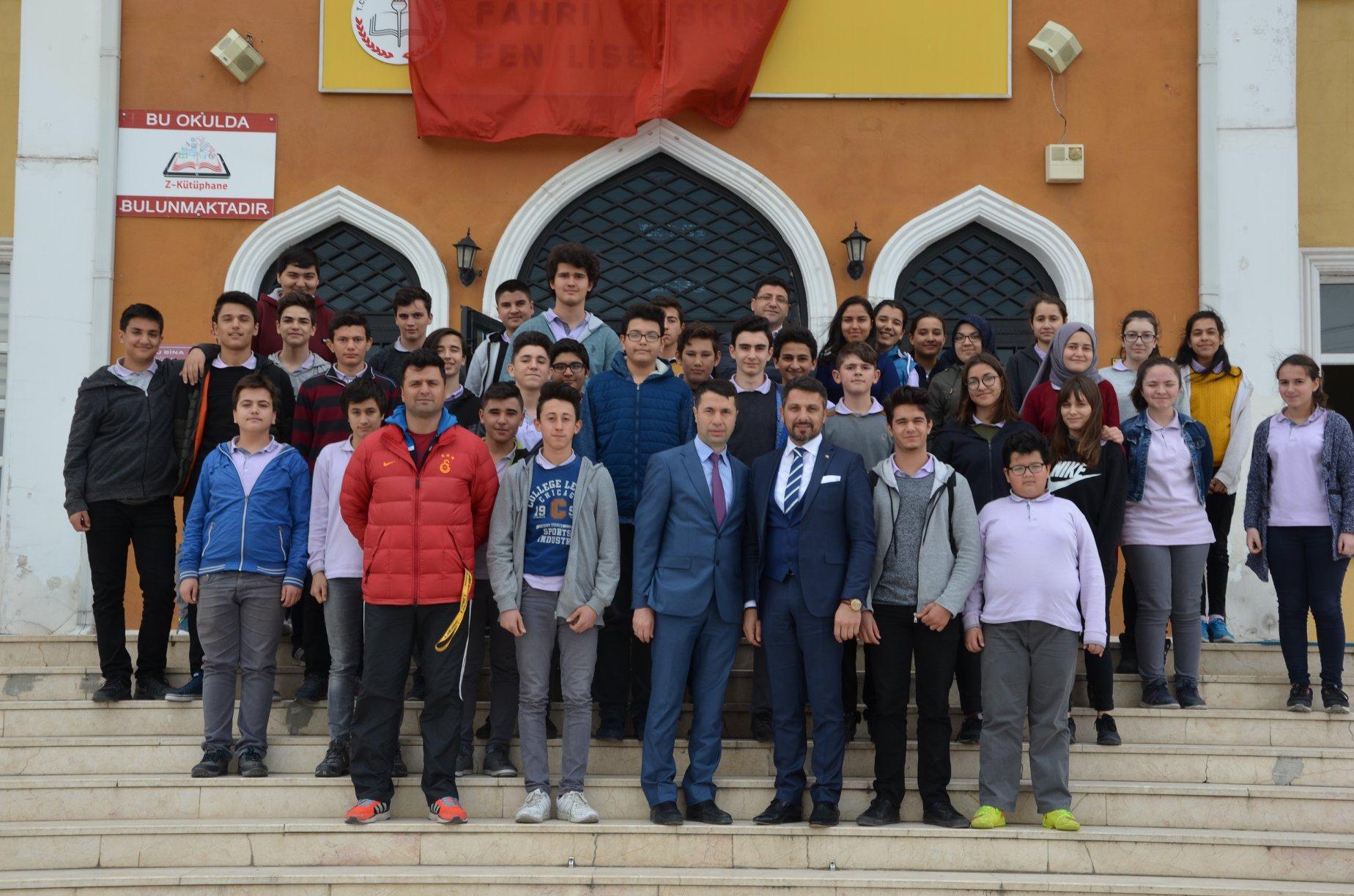Sivrihisar Belediye Başkanımız Hamid Yüzügüllü 18 Mart Çanakkale Zaferi ve Şehitleri Anma Günü 103.Yılı Münasebetiyle İlçemiz Okullarından Fahri Keskin Fen Lisesi Tarafından Düzenlenen Programa Katıldı.