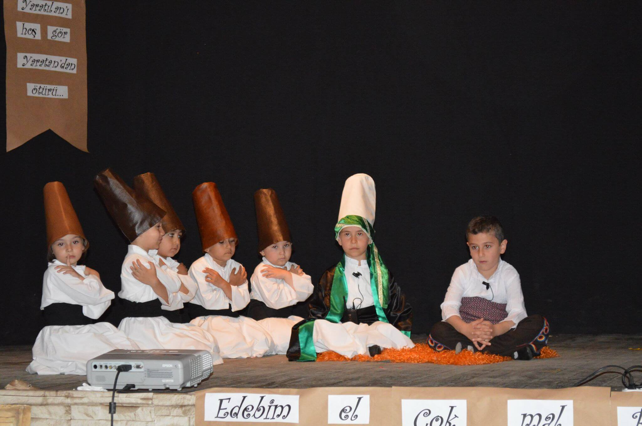 Yunus Emre Kültür ve Sanat Haftası kapsamında ilçemiz Yunus Emre Anaokulu Öğrencileri Tarafından Hazırlanan Kutlama Programı Sivrihisar Belediye Başkanımız Hamid Yüzügüllü'nün Katılımı İle Gerçekleşti