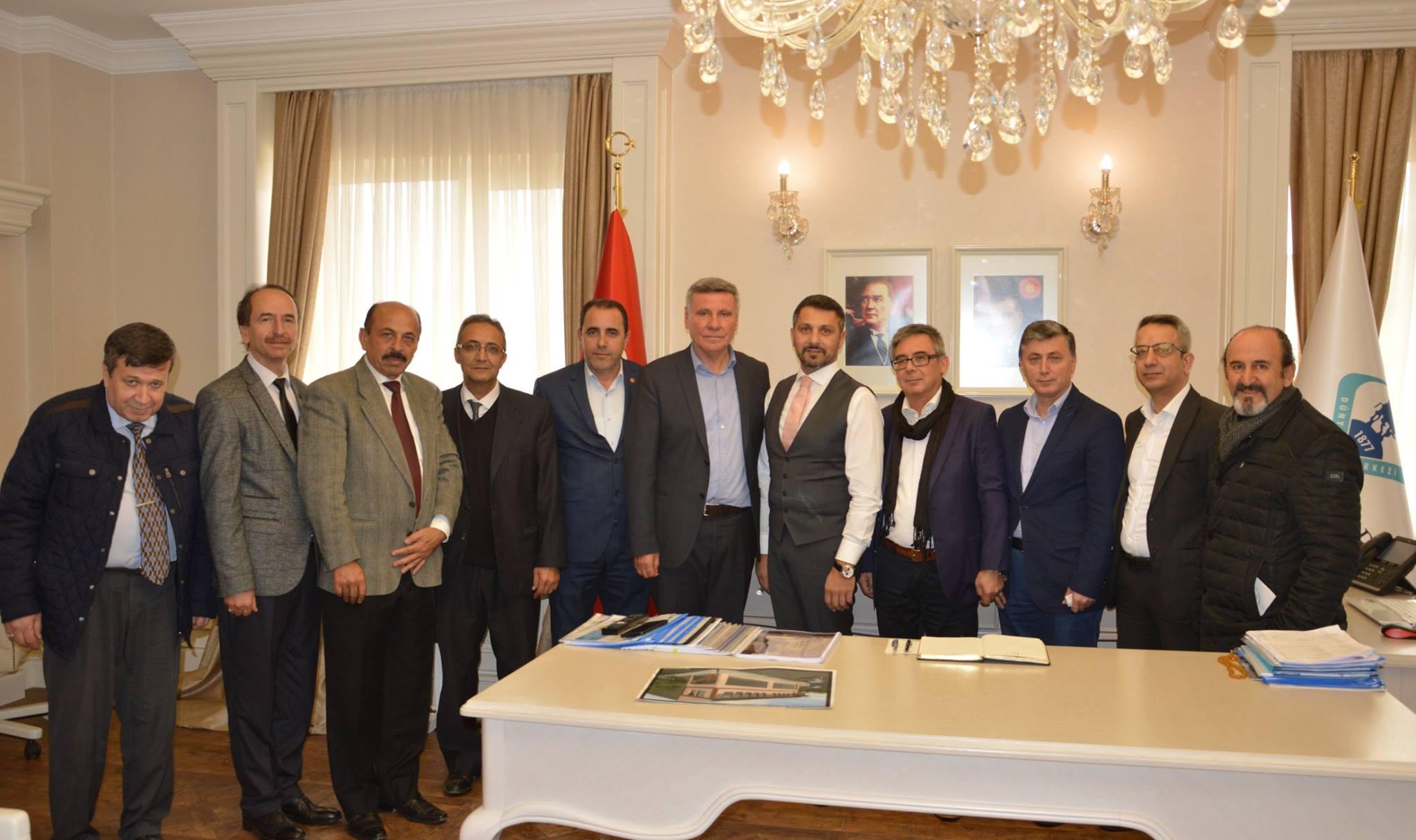 Sivrihisar Sosyal Kültür ve Dayanışma Derneği Başkanı İsmail Arslan ve Derneğimiz Yönetim Kurulu Üyeleri Kıymetli Sivrihisarlı Hemşehrilerimize Nazik Ziyaretlerinden Dolayı Teşekkürlerimi Sunarım.