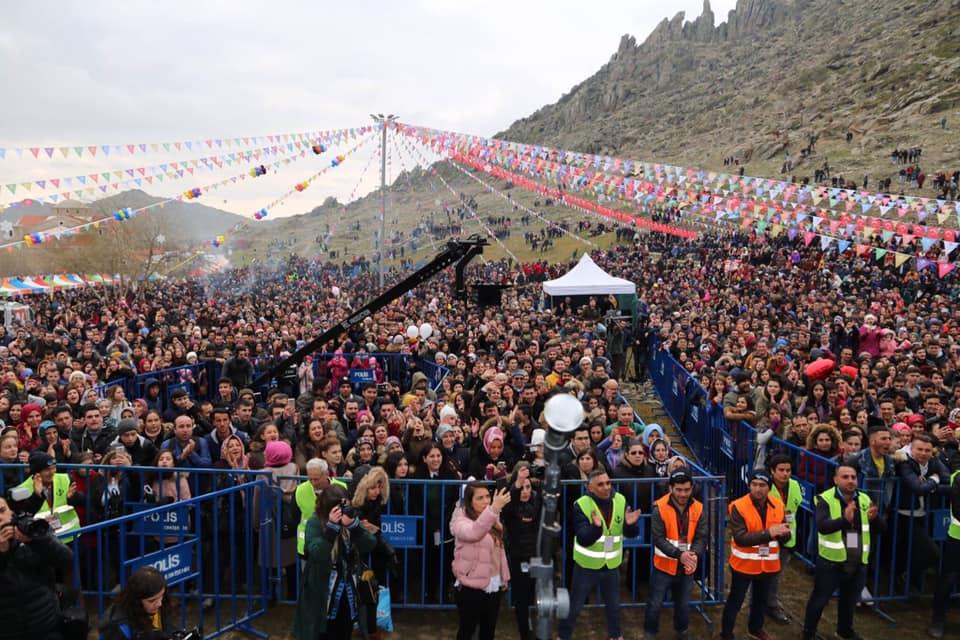 MEŞHUR SİVRİHİSAR DÖVME SUCUK FESTİVALİNDE DERYA ULUĞ