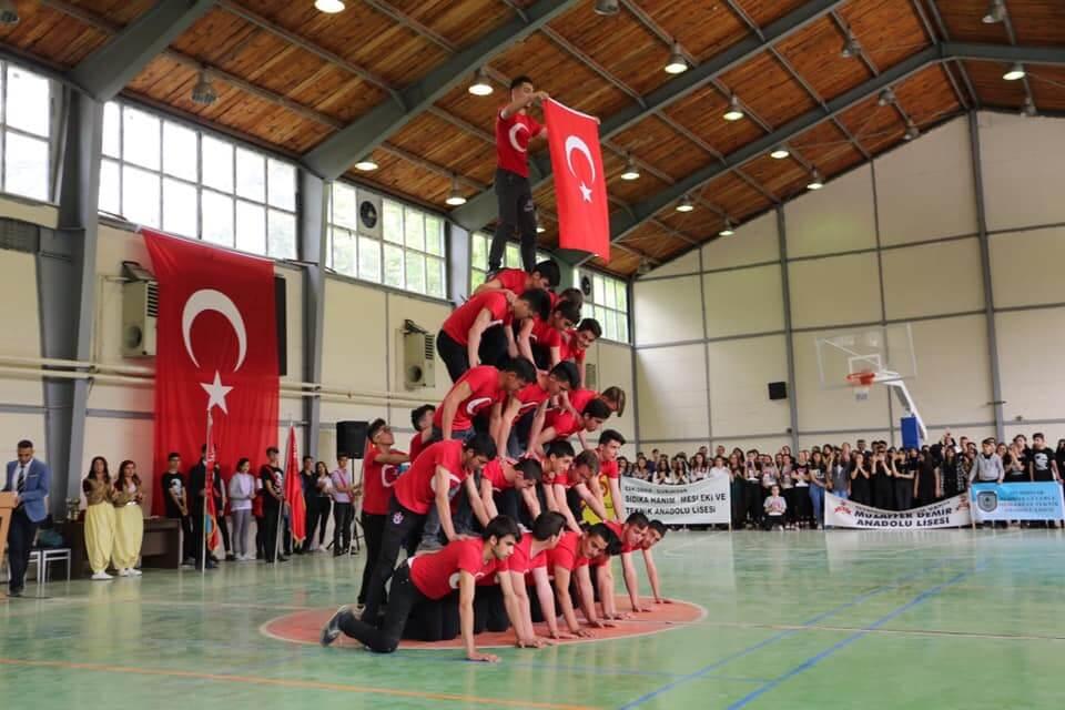 19 Mayıs Atatürk'ü Anma Gençlik ve Spor Bayramı 100.Yılını İlçemizde Düzenlenen Program ile Kutlandı.