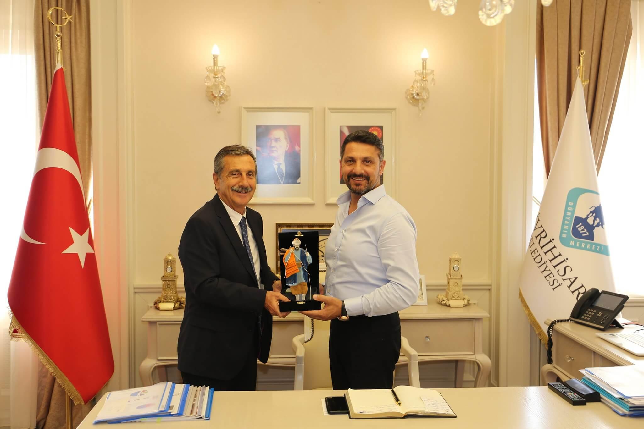 Eskişehir Tepebaşı Belediye Başkanı Sayın Ahmet Ataç Sivrihisar Belediye Başkanımız Hamid Yüzügüllü'ye Nezaket Ziyaretinde Bulundu.